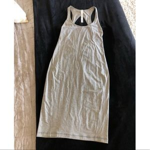 Never been worn lululemon dress size 6
